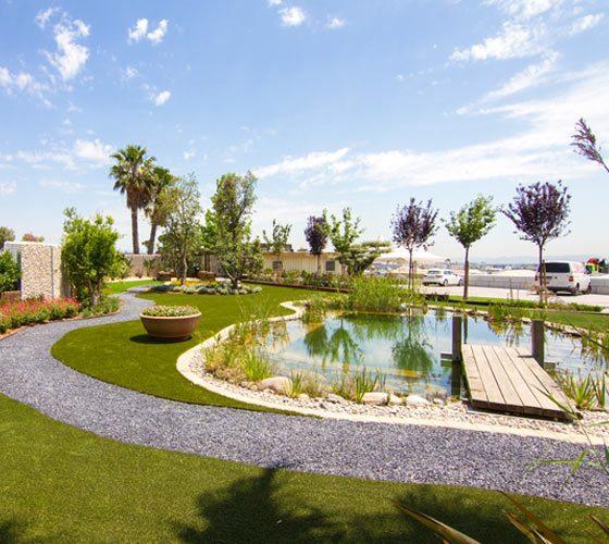 Jardiner l espigol serveis de jardineria for Jardineria barcelona