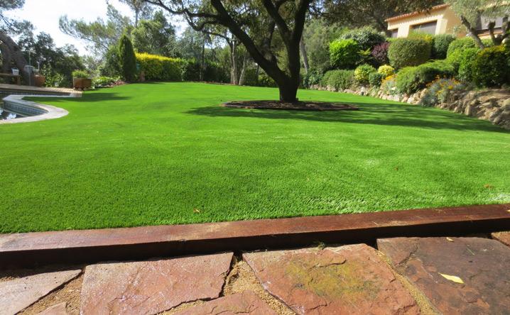 Colocaci n de c sped artificial de ltima generaci n - Cesped artificial jardineria ...