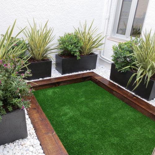 Jardineras interiores con c sped artificial jardiner a l - Jardineras para interiores ...