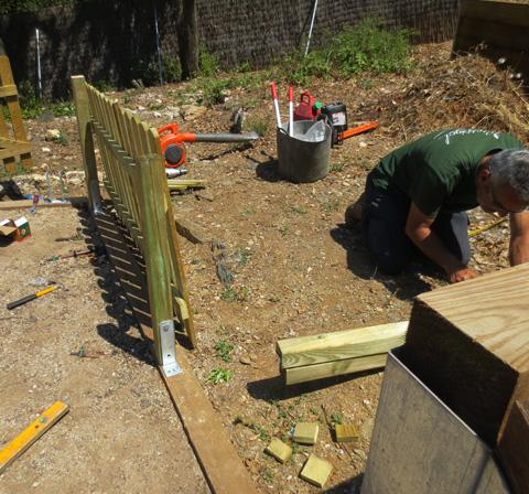 Trabajos de madera jardinero l 39 espigol for Trabajo jardinero barcelona