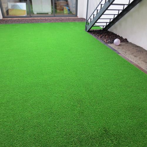 Instalaci n c sped artificial jardiner a l espigol en - Cesped artificial barcelona ...
